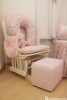 poltrona amamentação rosa branco floral