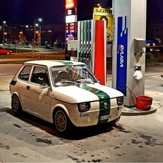 Polski Fiat 126p Fiat 500, Plane Engine, Automotive Decor, Modified Cars, Gas Station, Travel Style, Cars And Motorcycles, Motorbikes, Transportation
