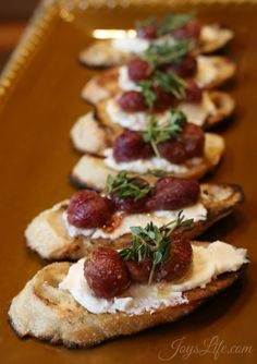 msg 4 21+ Roasted Grapes & Ricotta on Grilled Bread paired with Cabernet Sauvignon #ArtOfEntertaining #Ad
