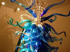 Dale Chihuly  Preview of installation