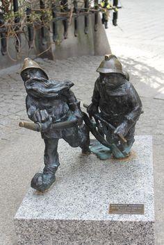 Wrocław to miasto krasnali. Szybka informacja o tym skąd się tu wzięły
