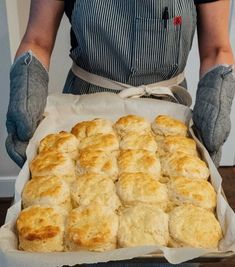 You'll want these biscuits on your breakfast table! They're so fluffy, buttery, … You'll want these biscuits on your breakfast table! They're so fluffy, buttery, and incredibly tender. You won't be able to just eat one! Biscuit Bread, Breakfast Biscuits, Breakfast Recipes, Dinner Recipes, Dessert Biscuits, Breakfast Potatoes, Biscuit Cookies, Breakfast Casserole, Cookie Dough