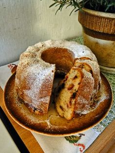 Olejová bábovka se švestkami Russian Cakes, Bunt Cakes, Czech Recipes, Recipe Link, Confectionery, Fun Desserts, Scones, Food Hacks, Sweet Recipes