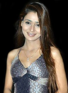 Sara Khan turns philanthropist!