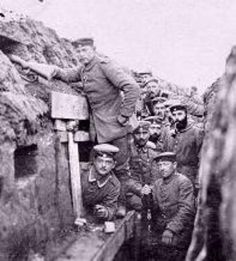 WWI The Battle of the Somme - Think these guys are German. COrrect me if I am mistaken please