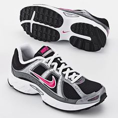 love Nike tennis shoes...
