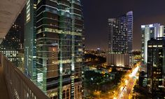 The privileged central location of One River Point condo places residents just 8 min. from famed Brickell Avenue