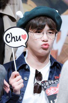Wanna one Kang Daniel Jinyoung, Thor, Idol 3, Daniel K, Thing 1, Fandom, Street Dance, Kim Jaehwan, Ha Sungwoon