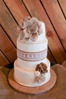 Rustic, burlap and lace wedding cake =)