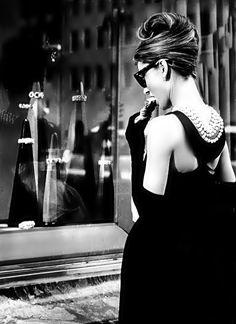 Breakfast at Tiffany's (1961). Dress: Givenchy.