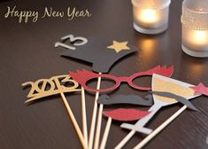 Silvester Photo Props | DIY LOVE Silvester Party Diy, New Year Diy, Diy Photo, Party Photos, Xmas Crafts, New Years Eve Party, Holidays And Events, Photo Props, Deco