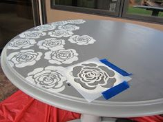 stenciled table makeover - not the flowers but idea to stencil glass patio table Hand Painted Furniture, Refurbished Furniture, Paint Furniture, Repurposed Furniture, Furniture Projects, Furniture Makeover, Wood Projects, Repainting Furniture, Desk Makeover