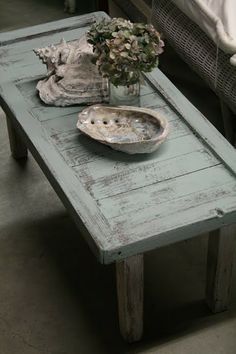 Reloved Rubbish: Beachy, Chippy, Chalk Paint Table