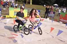 Kira Kosarin Photos - Actors (L-R) Jack Griffo and Kira Kosarin attend Nickelodeon's Annual Worldwide Day of Play at Prospect Park on September 2014 in New York City. - Nickelodeon's Annual Worldwide Day of Play The Thundermans, Jack Davis, Kira Kosarin, Dj, Childhood, Clothes, Models, Play, Photos