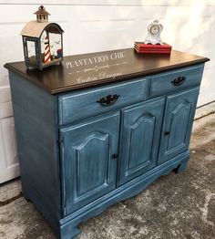 Beautiful buffet restyled with CeCe Caldwell's Mineral Paint in Thomasville Teal, a wash of Destin Gulf Green, clear and white waxed. Top sanded and stained using General Finishes Java Gel Stain. By Plantation Chic.