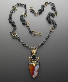 Marthe Roberts/Shea, Agate Pendant, 2014, sterling silver, 18-karat gold, agate