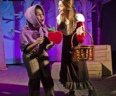 """Espectáculo Teatro Familiar Infántil en inglés """" Snow White"""". Producción Transeduca"""
