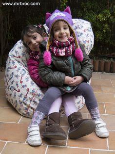 Puff Pera y cojines de todos los tamaños personalizados con los dibujos de tus niños. Ahora nuevo material de polipiel... ideal para el suelo