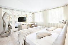 """Hotel Cadelach """"betulla"""" room."""