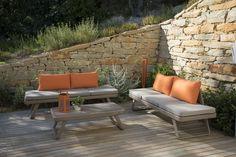 Depuis plus de 20 ans, nos mobiliers habillent les plus beaux jardins pour leur apporter tout le confort et l'élégance qu'on est en droit d'attendre du haut de gamme.