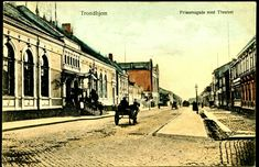 Sør-Trøndelag fylke Trondheim  Trondhjem Prinsensgad med Theatret kolorert Utg C. A. Erichsen, Christiania Trondhjem 1910