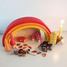 10-nov-2020 - Heb jij de herfst seizoenstafel al in huis? In deze blog geven we een voorbeeld en vertellen we welke producten we allemaal hebben gebruikt. Autumn Leaves Craft, Small World Play, Leaf Crafts, Nature Table, Toddler Activities, Early Childhood, Playroom, Baby Kids, Kindergarten