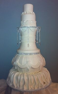 Fairy Tale Wedding Cake Love the Crystals hanging