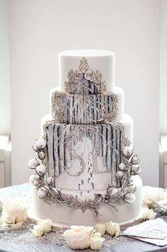 Silver winter cake | Colin Cowie Weddings       ᘡղᘠ