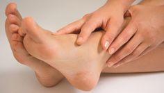 குதிகால் வெடிப்பை மறையச் செய்யும் ஆலிவ் எண்ணெய்,foot care tips at home in tamil