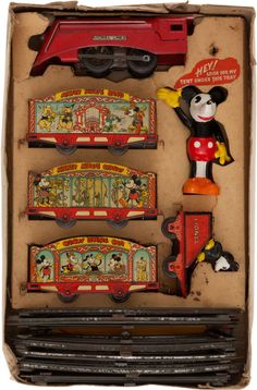 Lionel Pre-War Mickey Mouse Circus Train Set (Lionel, This windup O gauge train set was recently - Available at 2014 February 20 - 22 Vintage. Minnie Mouse, Vintage Mickey Mouse, Mickey Mouse And Friends, Metal Toys, Tin Toys, Lionel Train Sets, Disney Toys, Punk Disney, Disney Fun