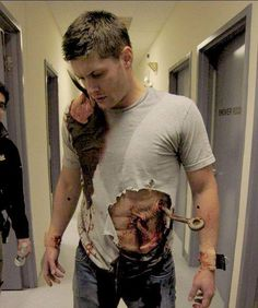 Jensen behind the scenes of 3x16 No Rest for the Wicked. I hope he just went out to lunch like this or something LOL.