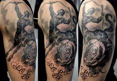 black corner tattoo studio situe à Valence tatouage sagittaire realise par stephane bueno #tattoo #tattooed #tattooart #tattooartiste #realism #ink #inked #sagittaire #rose #centaure #realistic