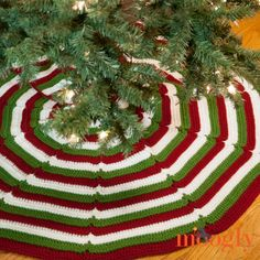 Happy Holidays Tree Skirt | Did you get your tree yet? Don't forget to add a little tree skirt to set the holiday mood!
