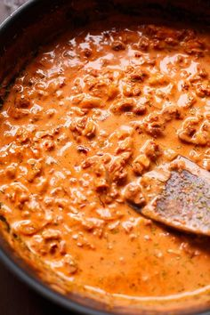 Rote Linsen Pasta mit cremigster Getrocknete Tomaten-Sauce – Kochkarusell Red lentils pasta with creamy dried tomato sauce. This 20 minute Pumpkin Recipes, Veggie Recipes, Vegetarian Recipes, Cooking Recipes, Healthy Recipes, Lentil Recipes, Lentil Pasta, Sauce Tomate, Sauce Recipes