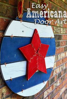 Perfect for the patriotic holidays! Make an easy Americana door art from pallets or scrap wood - includes pattern. Perfect for the patriotic holidays! Make an easy Americana door art from pallets or scrap wood - includes pattern. Awesome Woodworking Ideas, Easy Woodworking Projects, Fine Woodworking, Wood Projects, Woodworking Quotes, Woodworking Joints, Woodworking Supplies, Woodworking Videos, Woodworking Furniture