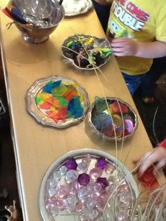 Inspiring Environments - Loose Parts for the light table - Journey Into Early Childhood ≈≈