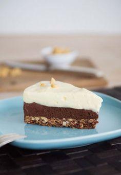 Schoko-Erdnuss-Torte mit Vanillecreme - Torten ohne Ofen backen: 4 Rezepte für eilige Naschkatzen