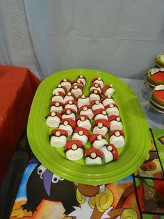 Marshmallow pokeballs   Catchmyparty.com
