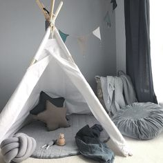 Just a little peak at what's to come in the nursery. The beautiful teepee from @my_little_teepee is temporary (as that's Addison's and woah would I be in trouble if i took it from her ) but still awaiting the cot! so excited