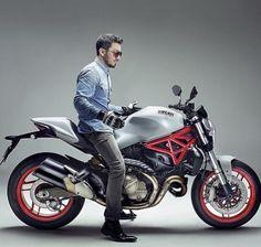 Yamaha Bikes, Ducati Motorcycles, Cars And Motorcycles, Audi R10, Ninja Bike, Gs500, Harley Davidson Jewelry, Cafe Racer Bikes, Moto Bike