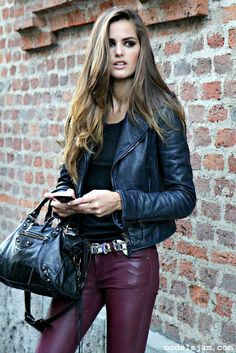 Leather on LoLoBu. Discover what she wears.
