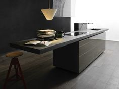 Cocina integral con isla NEW LOGICA SYSTEM ARTEMATICA VITRUM by VALCUCINE diseño Gabriele Centazzo