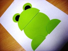 Paper Folding Activities for Kids On this page there are many paper folding activities related to animals. You can use this activities to enhance the children's dexterity. You can use for Mother's Day crafts to this paper folding activity. Frog Crafts, Paper Crafts For Kids, Preschool Crafts, Arts And Crafts, Paper Folding Crafts, Cool Paper Crafts, Circle Crafts, Animal Crafts, Punch Art
