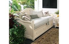 Paula Deen Daybed - Linen Finish