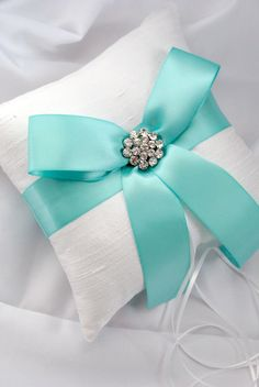 Tiffany Blue Wedding Ring Bearer Pillow White by weddingsandsuch, Love this! but maybe with the colors switched to match the tiffany box by lea Blue Wedding Rings, Aqua Wedding, Trendy Wedding, Wedding Colors, Dream Wedding, Wedding Ideas, Wedding Themes, Tiffany Blue Weddings, Tiffany Wedding