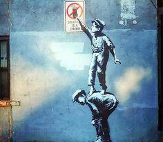 """Banksy-""""Graffiti Is A Crime"""" in Nowy Jork"""