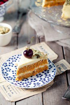 Революционные морковный торт! Russian Desserts, Raw Desserts, Raw Food Recipes, Healthy Recipes, Healthy Deserts, Cheesecake, Food Porn, Gluten, Vegan