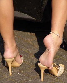 high heels – High Heels Daily Heels, stilettos and women's Shoes Beautiful High Heels, Beautiful Toes, Feet Soles, Women's Feet, Hot Heels, Sexy High Heels, Fashion Models, Sexy Toes, Female Feet
