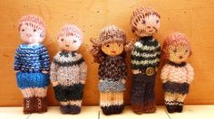 poupée, mini jouets, enfants, bébé, jeu, famille, miniature, personnage, bonhomme, laine, tricot, tricoter, histoire, conte, Knitted Doll Patterns, Knitted Dolls, Crochet Toys, Knitted Hats, Knit Crochet, Loom Knitting, Free Knitting, Baby Knitting, Worry Dolls