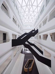 Midwest Commodity Exchange Center / Interdesign Associates + Hugo Kohno Architect Associates / ph: Hallucinate Design Office